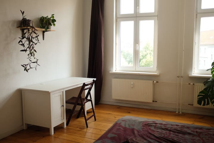 Big bright room in central & hip Friedrichshain