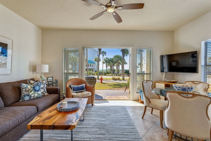 101 Blue | Easy Access to Beach | Gulf View | BEST Ground Floor Unit | Updated