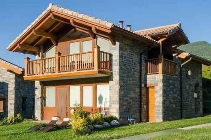 Casas La Ribera. Ordesa 2 personas lujo