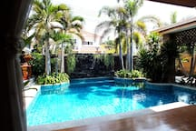 Sun All Day...South Facing Private Pool Area!!