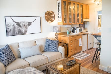 Cozy and Stylish Condo with Fantastic Views!