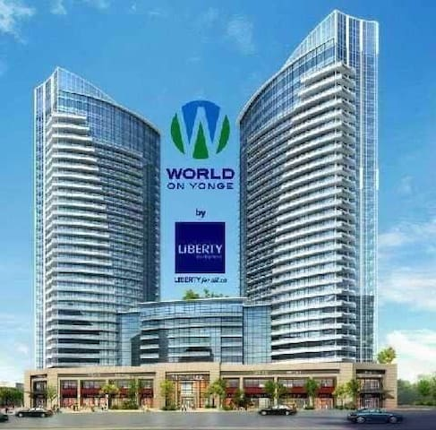 Cozy 1+1 luxury condo at Yonge and Steeles