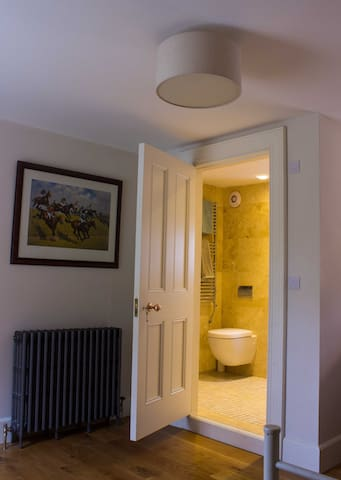Downstairs ensuite