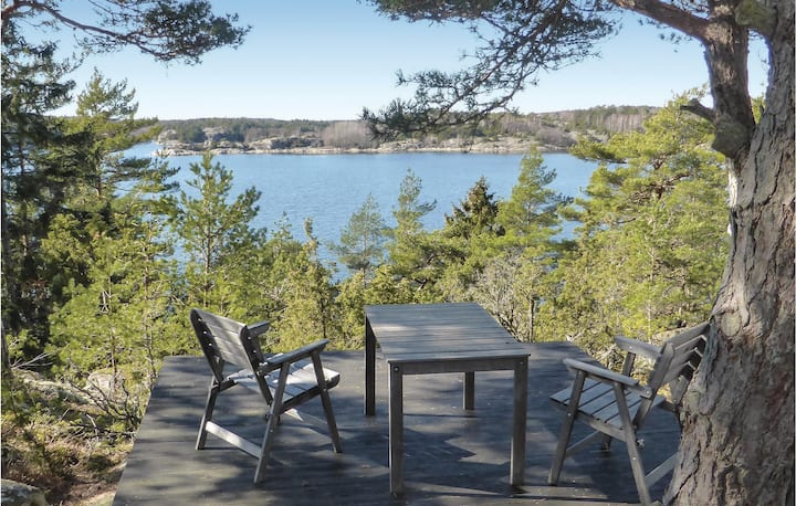 Beautiful home in Strömstad with WiFi and 3 Bedrooms