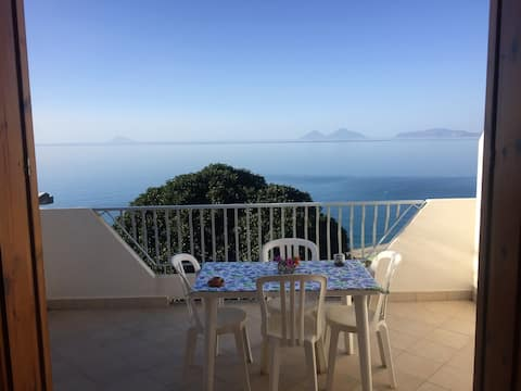 Studio in Calava, with furnished balcony and WiFi - 800 m from the beach