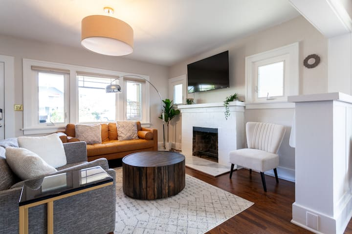 Stylish Craftsman Bungalow in Heart of North Park