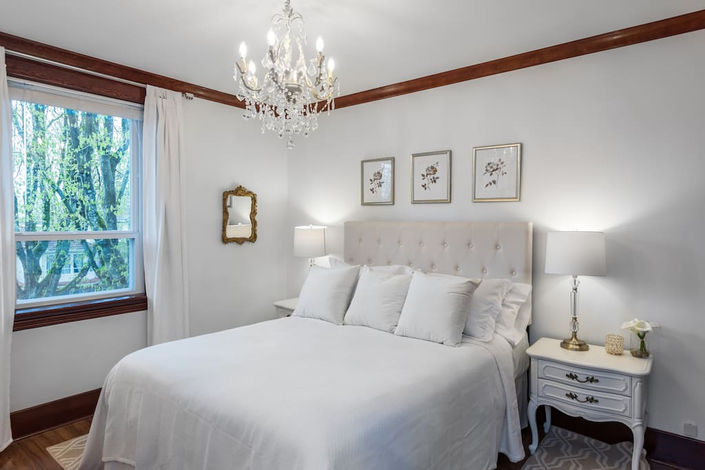 Charming Central Vancouver 3 Bedrooms 2 Levels Apartments For Rent In Vancouver British