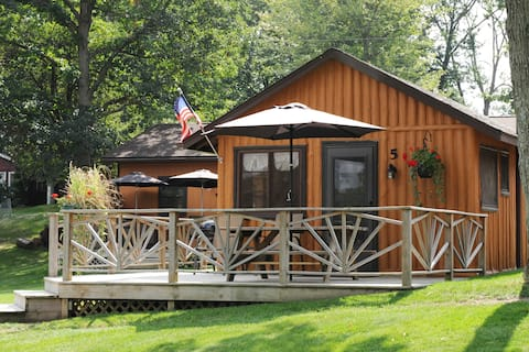 Lake Front Log Cabin 5 with a Great Deck
