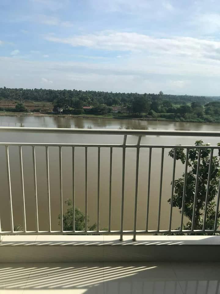 Rivervillie , lake view apartment