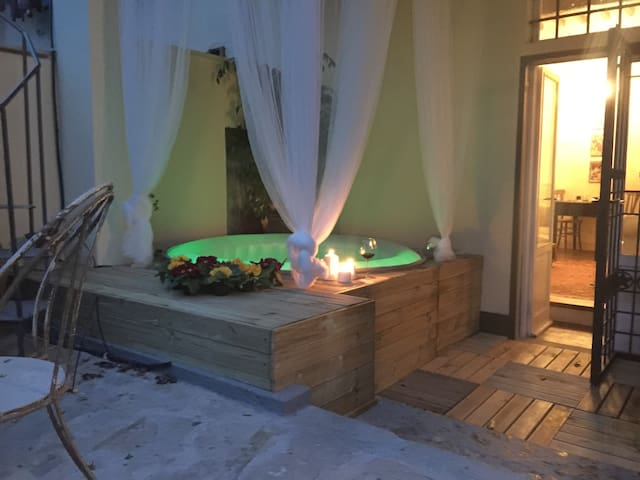Nido d'amore per Week End romantici con Jacuzzi - Scandicci - Σπίτι