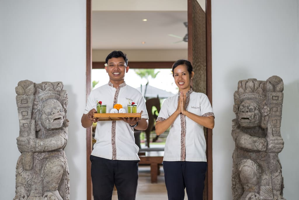 Our uniformed staff , including 2 housekeepers, chef, chauffeur and guards are here to make your stay a perfectly relaxing experience.