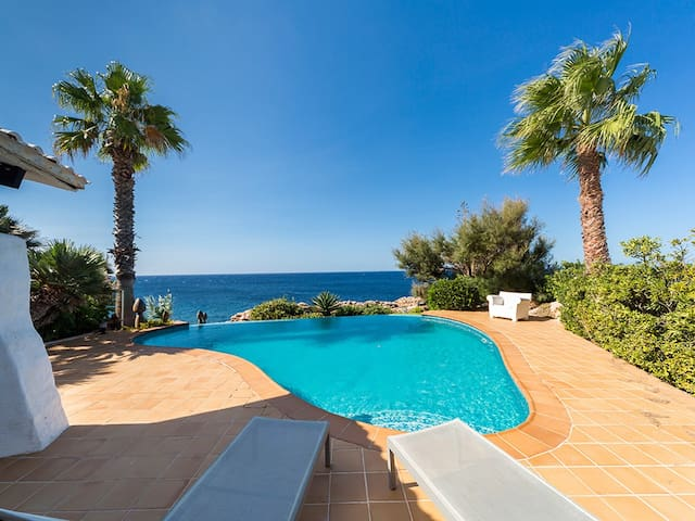2613, A villa right on the coast in Cap D'en Font - Cap d'en Font - 別荘