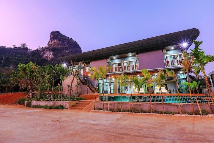 Ten-bedrooms family  private pool villa