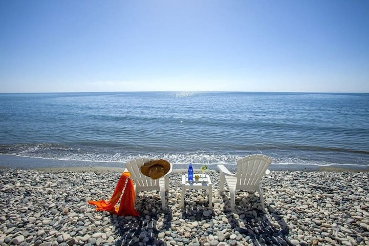 Near beach ,holiday family house 2 bed - Meneou - House
