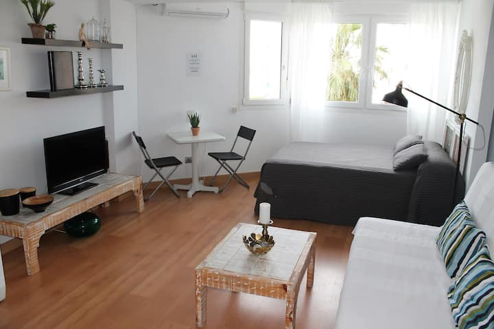 TORRE DEL MAR COAST APARTMENT