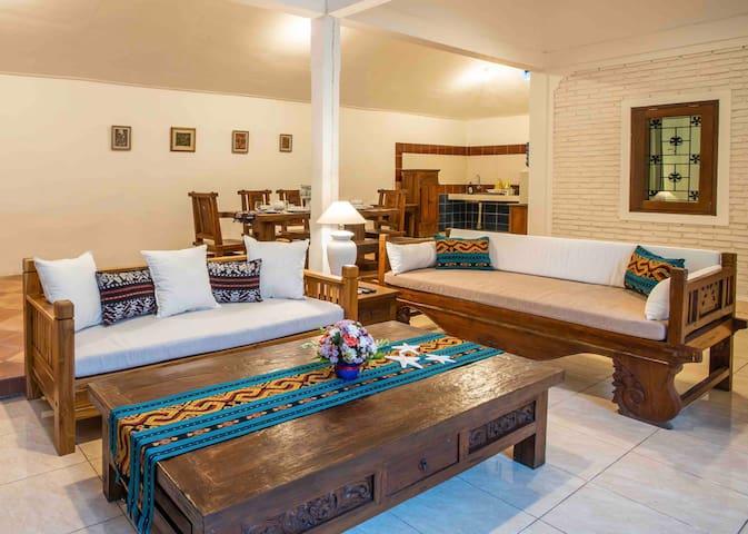 Bens Private Villa 2 Bedroom Legian 8mins to Beach