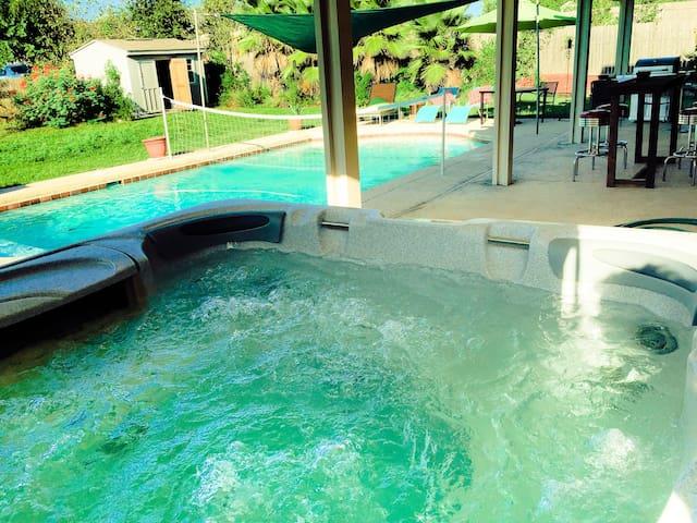 Huge Pool House:  Social Distance & Have a Blast!