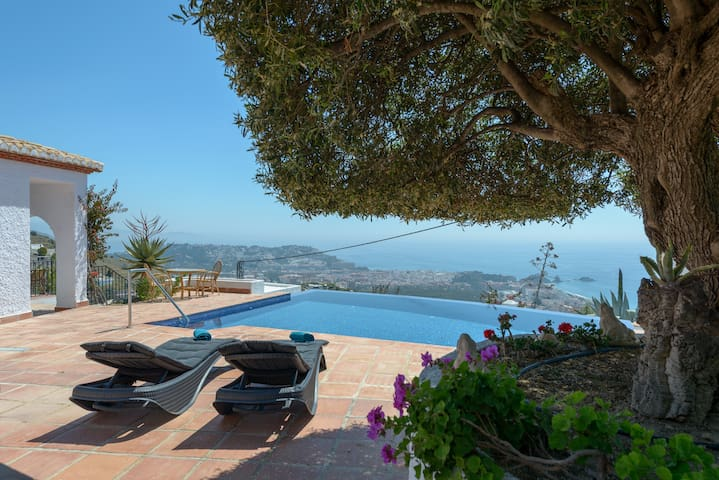 Casa Madrugada piscina panoramica al Mediterraneo - Almuñécar - Huis