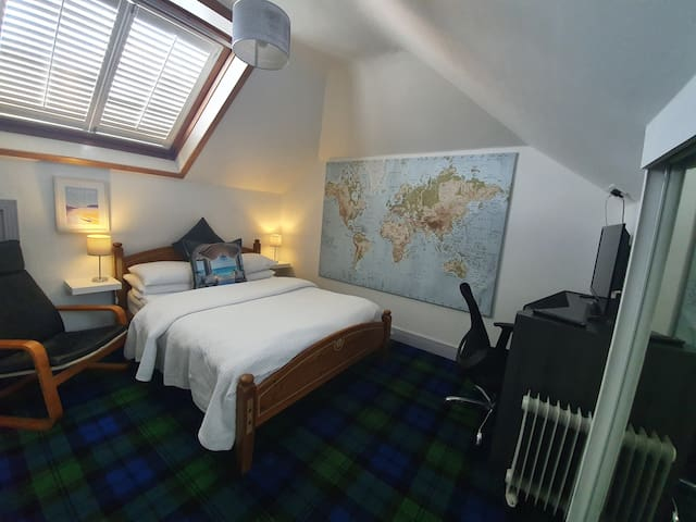 The Ship Room (Double room with Free Parking)