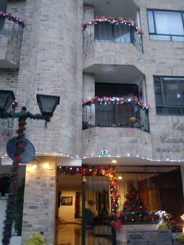 Habitación Edificio Camino Real cedritos - Bogotá - Apartamento