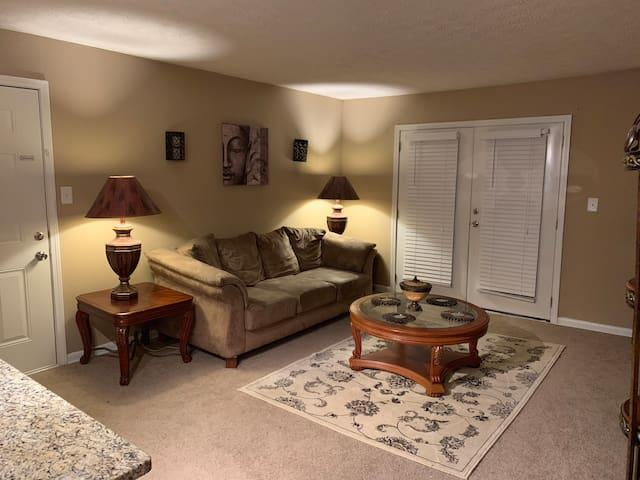 2 bedroom cozy apt