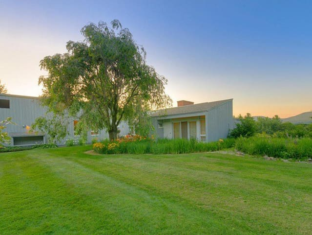 11-acre mid-century estate, newly renovated