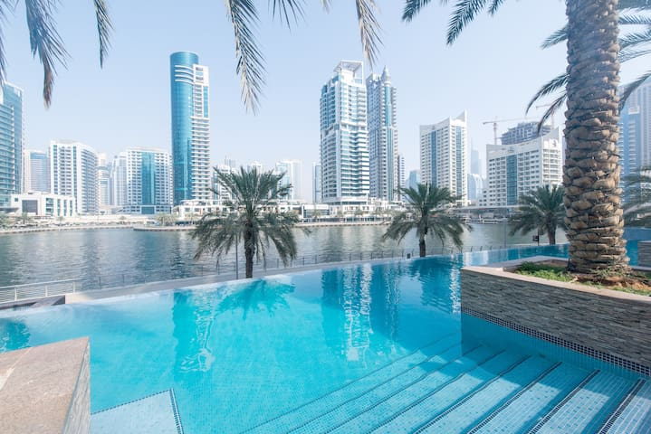 Luxurious  one bedroom flat , Sea and Marina view