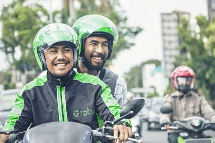 Or you can experience Grab bike, easy and convenient!