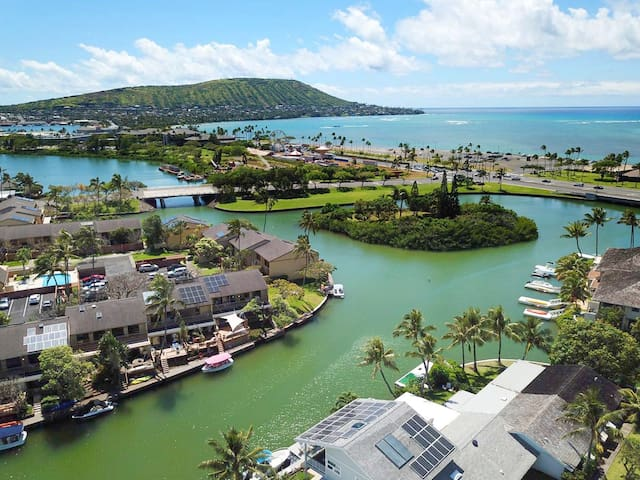 NEW Modern Marina Front in Hawaii Kai