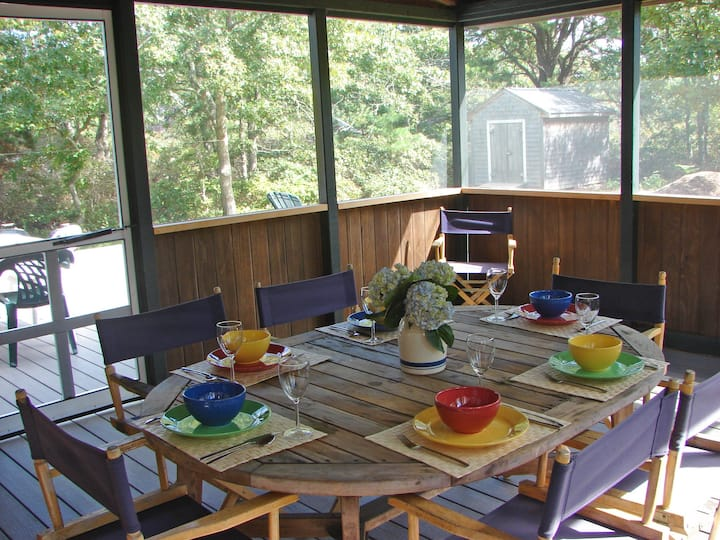 Airy, Quiet Vacation Rental Home w pool, ferry TIX