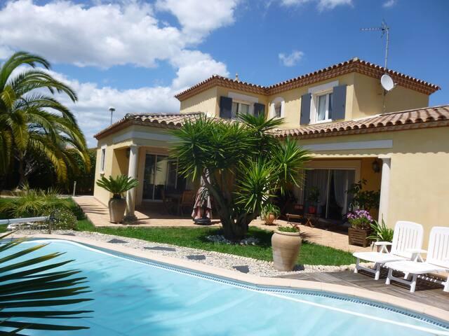 villa avec piscine entre mer et Montpellier - Mauguio - 別荘