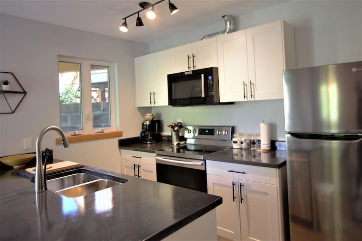 Waterfront 1 bedroom centrally located suite.