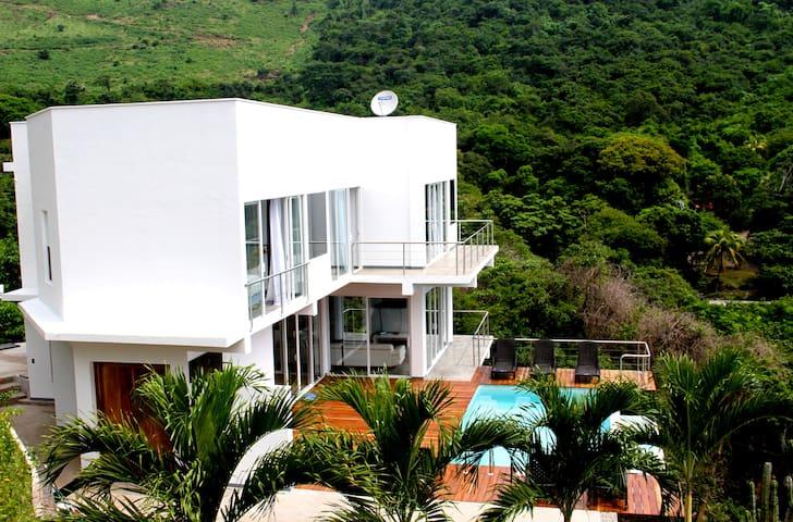 El Salvador S Beach House Villas For