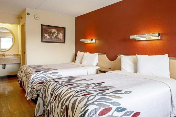 Great Find! Two Comfy Units, Close to Attractions