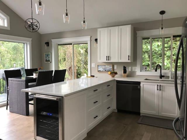 Prestigious 1 Acre of Cottage Lake Living