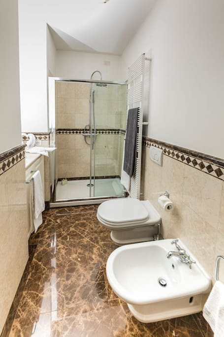 The private bathroom: italian marble & best materials