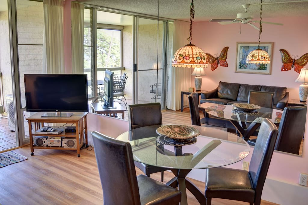 Dining area with seating for 3