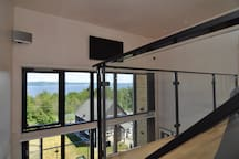 The view from the loft. The SONOS-soundsystem available is operated with an special app that installs on a smartphone.
