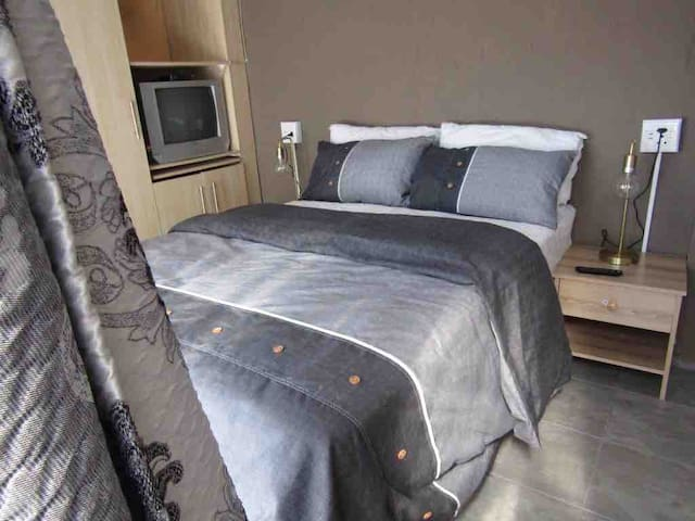 Mmadichaba Guest House Room 2