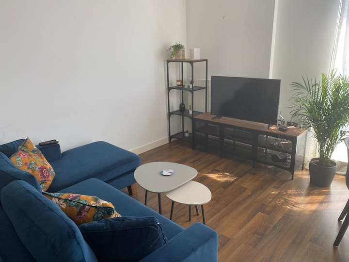 Double room available next to London Fields