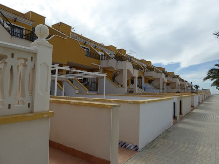 Apartment in a lovely beach resort near  Alicante