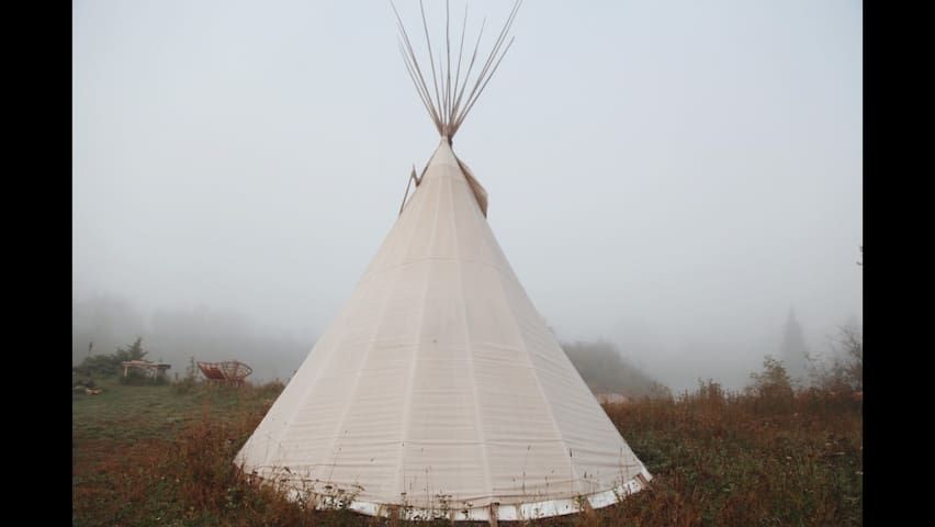 Tipi Experience in Northern Ontario