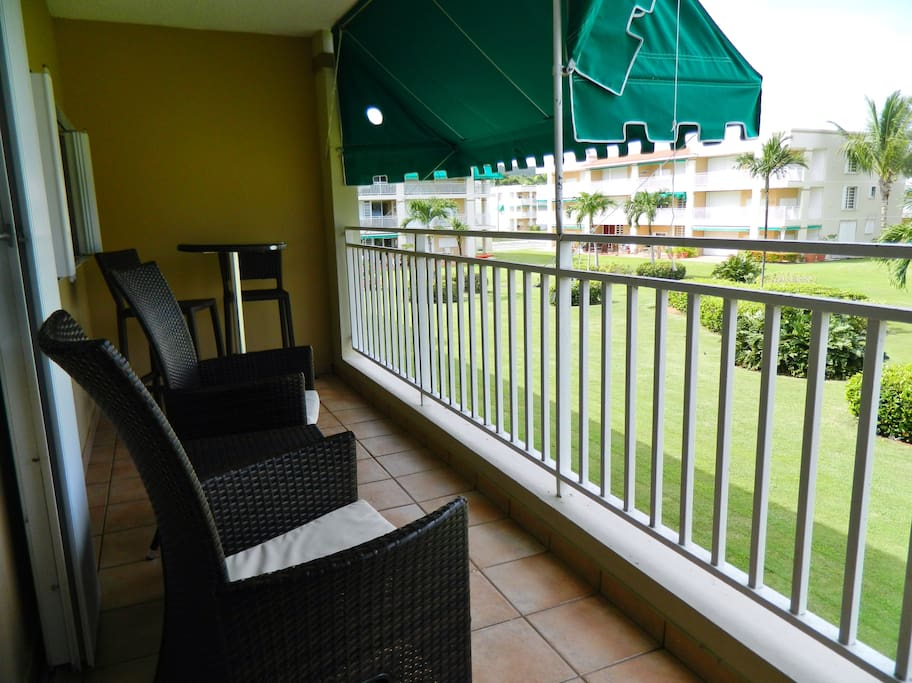 North facing balcony for cool breezes