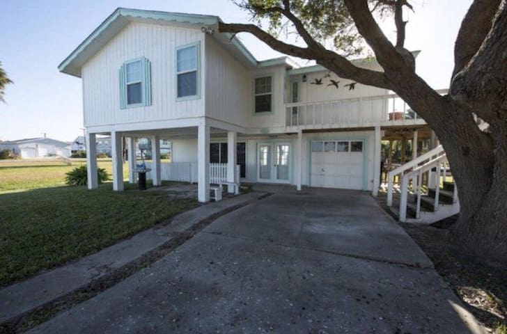 El Naño's Beach House - Rockport - Vacation home