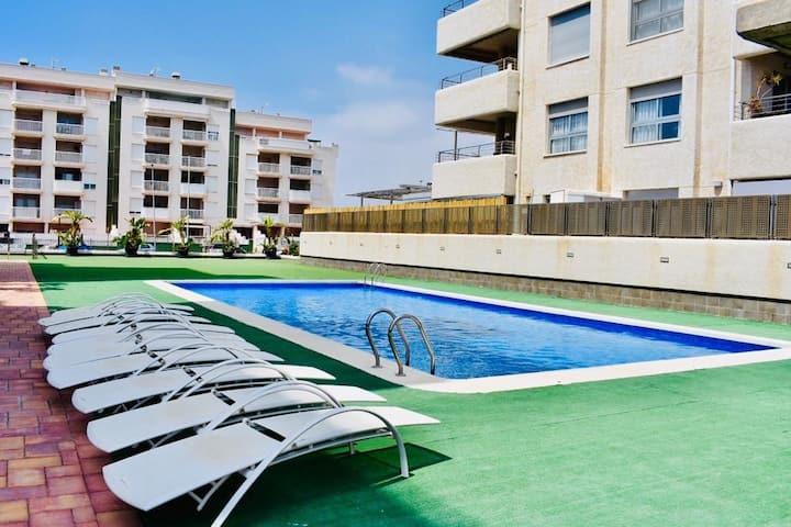 Piso en residencial con piscina , cerca playa