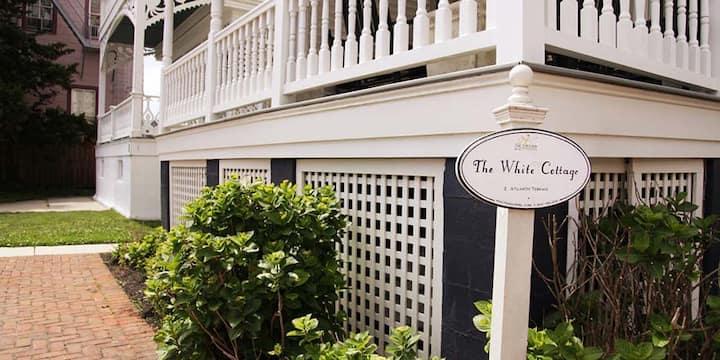 White Cottage Garden Level Unit - Cape Resorts