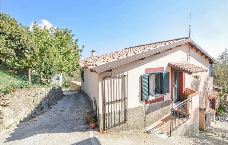 Semi-Detached with 4 bedrooms on 200m² in Ciminà