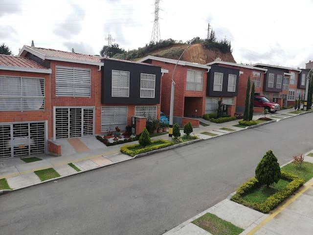 Confortable Habitación cerca C.C San Nicolás
