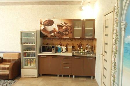 Новый уютный дом с гаражом в доме - Volgograd - เกสต์เฮาส์