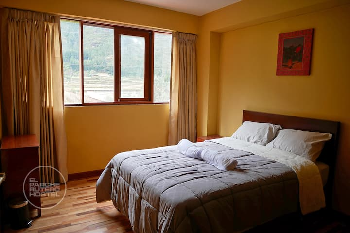 PRIVATE ROOM W/ BATHROOM AND VIEW TO THE MOUNTAINS